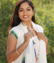 madhavi-latha-hot-images-in-tholipata-movie-04
