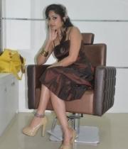 madhavi-latha-at-naturals-35th-salon-launch-photostills-gallery-10_s_372
