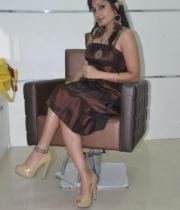 madhavi-latha-at-naturals-35th-salon-launch-photostills-gallery-11_s_187
