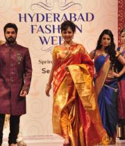 madhu-shalini-ramp-walk-at-hyderabad-fashion-week-17