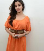 madhurima-new-stills-in-orange-dress-04