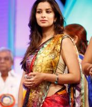 madhurima-saree-stills-at-tsr-film-awards-10