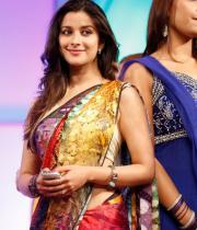 madhurima-saree-stills-at-tsr-film-awards-14