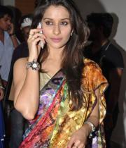 madhurima-saree-stills-at-tsr-film-awards-18
