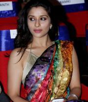 madhurima-saree-stills-at-tsr-film-awards-8