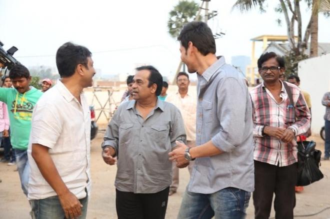 mahesh-babu-and-tamanna-at-basanti-trailer-launch-photos-63