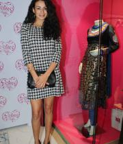 celebrities-at-manish-aroras-store-launch-gallery-11