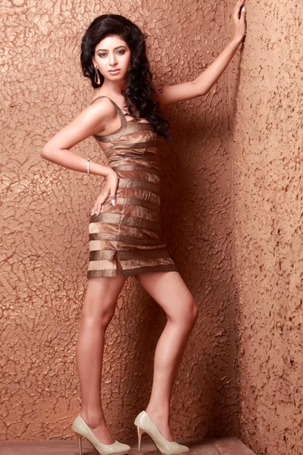 maya-hot-photo-shoot-13