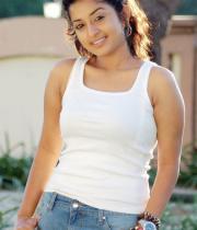 meera-jasmin-new-stills-from-moksha-172