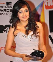 celeb-hot-photos-at-micromax-mtv-video-music-awards-india-2013-05