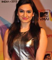celeb-hot-photos-at-micromax-mtv-video-music-awards-india-2013-07