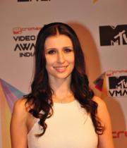 celeb-hot-photos-at-micromax-mtv-video-music-awards-india-2013-09