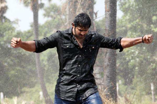 mirchi-movie-rain-fight-scene-photos-01