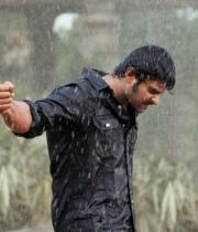 mirchi-movie-rain-fight-scene-photos-02