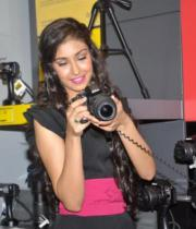 miss-india-navneet-kaur-at-reliance-digital-store-1
