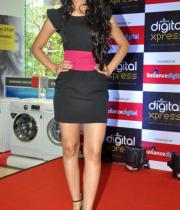 miss-india-navneet-kaur-at-reliance-digital-store-11