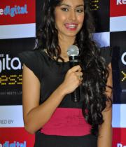 miss-india-navneet-kaur-at-reliance-digital-store-4