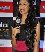 miss-india-navneet-kaur-at-reliance-digital-store-5