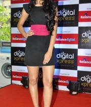 miss-india-navneet-kaur-at-reliance-digital-store-9