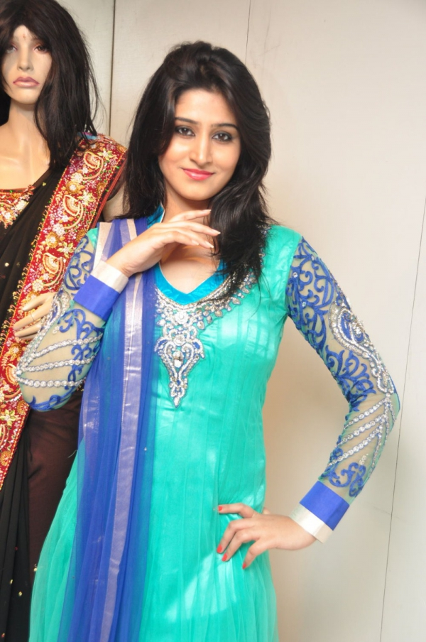 model-shamili-photos-at-aashadam-sale-10