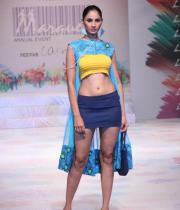 models-at-le-mark-institute-fashion-show-15