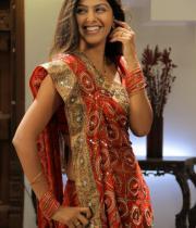 monal-gajjar-latest-saree-photos-13