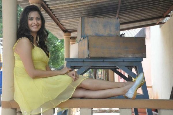 mrudula-latest-photos-in-skirt-15
