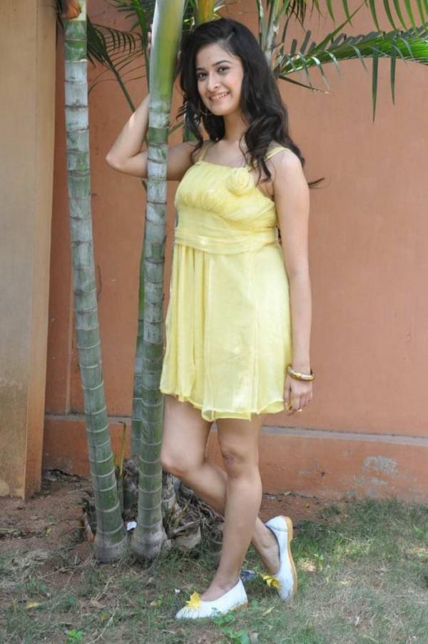 mrudula-latest-photos-in-skirt-20