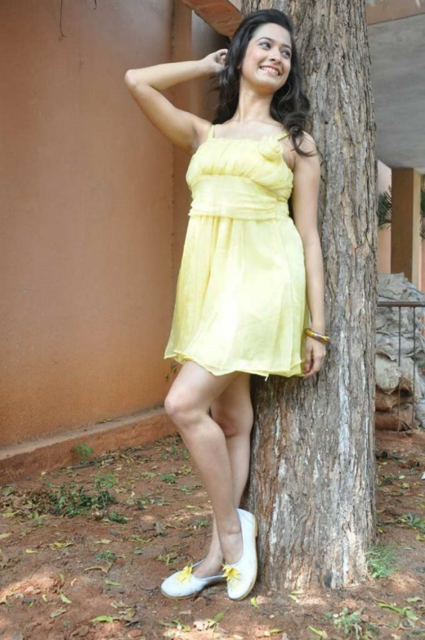 mrudula-latest-photos-in-skirt-6