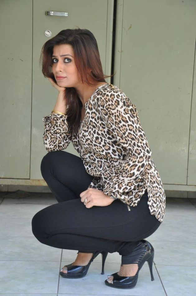 nandini-gupta-latest-photos-26
