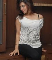 nanditha-guptha-new-photo-stills-32