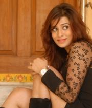nanditha-guptha-new-photo-stills-5