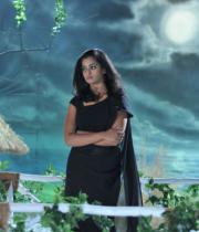 nanditha-stills-from-prema-katha-chitram-02