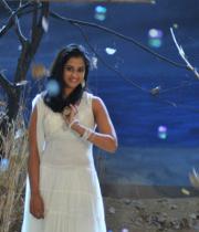 nanditha-stills-from-prema-katha-chitram-04