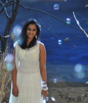 nanditha-stills-from-prema-katha-chitram-05