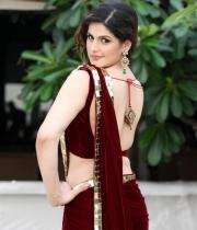 jr-katrina-zarine-khan-hot-pics-in-red-saree-1