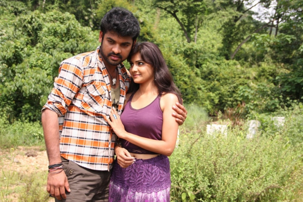 netru-indru-hot-movie-stills-20