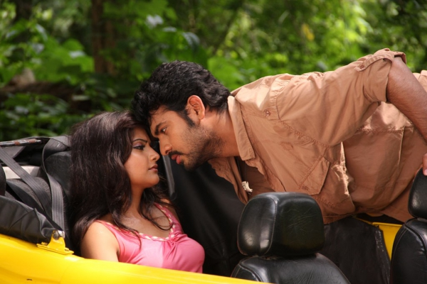 netru-indru-hot-movie-stills-21