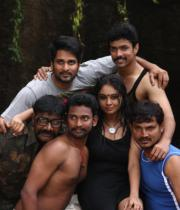 netru-indru-hot-movie-stills-3