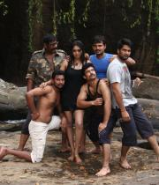 netru-indru-hot-movie-stills-30