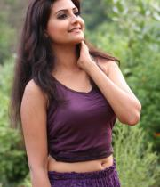 netru-indru-hot-movie-stills-31