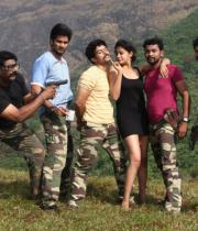 netru-indru-hot-movie-stills-6