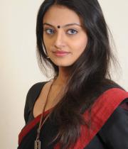 actress-nikitha-narayan-cute-saree-photos-02