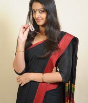 actress-nikitha-narayan-cute-saree-photos-04