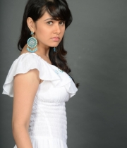 nisha-kothari-photos-from-criminals-movie-19
