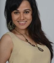 nisha-kothari-photos-from-criminals-movie-2