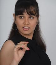 nisha-kothari-photos-from-criminals-movie-4