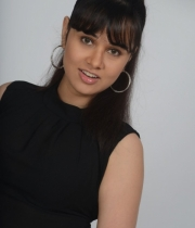 nisha-kothari-photos-from-criminals-movie-6