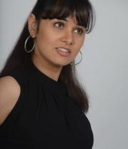 nisha-kothari-photos-from-criminals-movie-7