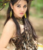 nisha-kothari-1